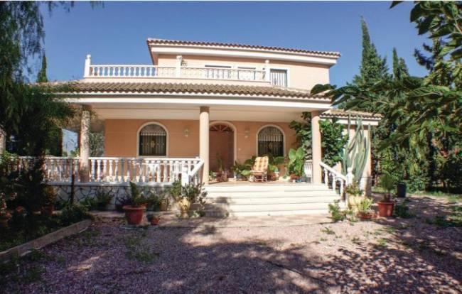 Detached Villa in Crevillente