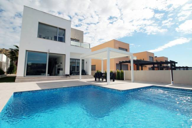 Ultra modern 3 bedroom villa