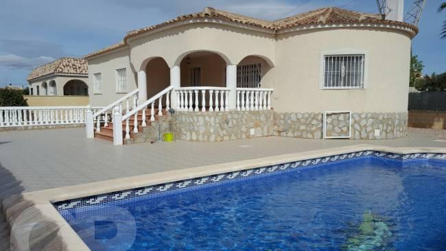 A beautiful 3 bed 2 bath villa