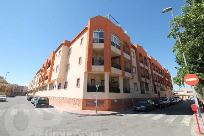 Apartment Close to Amenities