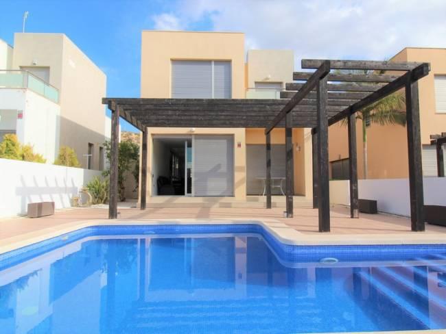 Modern frontline Villa with amazing views