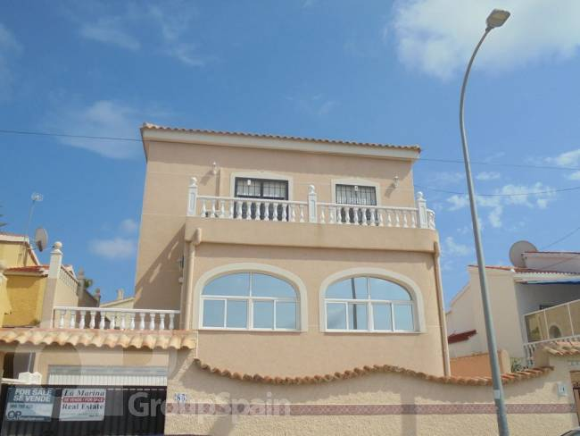 A large 4 bedroom 3 bath with underbuild