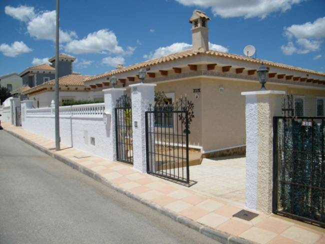 Detached Villa in Bigastro