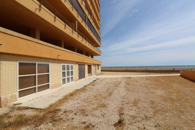 Land in Los Arenales del Sol