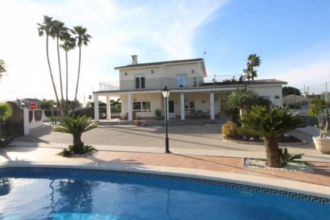 Detached Villa in Valverde