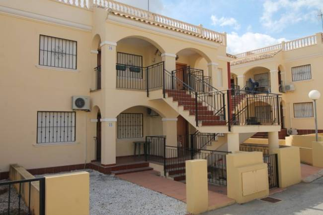 Top floor apartment in Algorfa