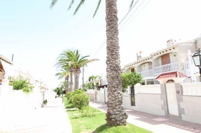 Beautiful and sunny family bungalow en Gran Alacant