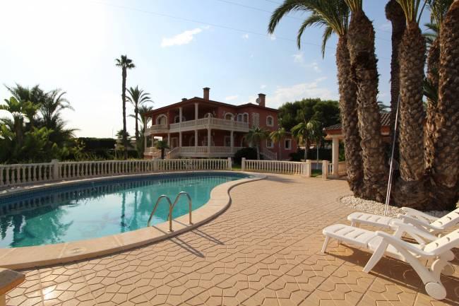 Amazing villa in Valverde