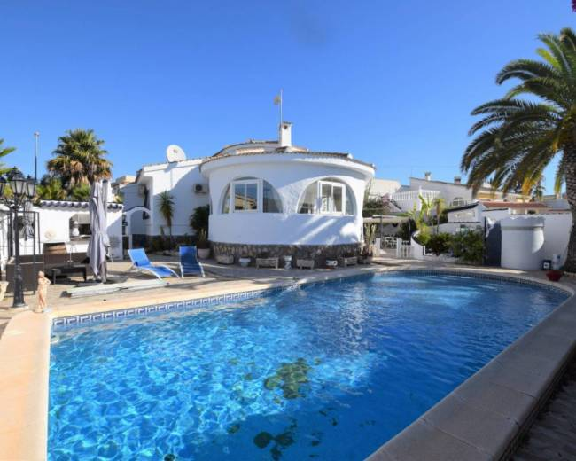 Detached Chalet style villa with pool