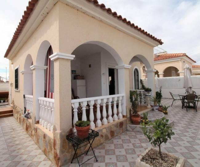 Detached 2 bedroom Villa