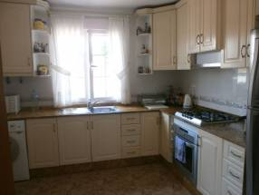 A 3 Bedroom 2 Bathroom Detached Villa in La Escuera (3)