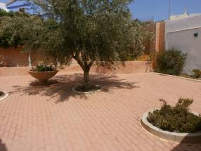 A 3 Bedroom 2 Bathroom Detached Villa in La Escuera (11)