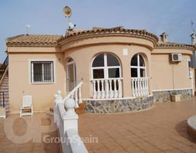 Villa with Pool (1)