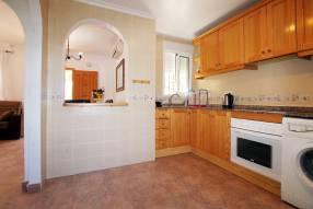 Detached 3 bedroom 2 bathroom villa  (10)