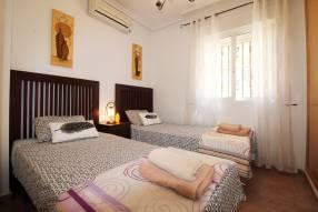 Detached 3 bedroom 2 bathroom villa  (12)