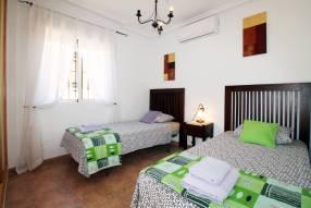 Detached 3 bedroom 2 bathroom villa  (15)