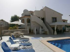 Villa with 7 bedrooms and 4.5 bathrooms plus private pool (1)