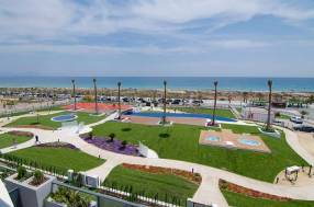 Luxury Beach Side Penthouse (2)