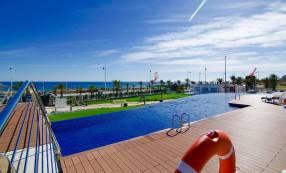 Luxury Beach Side Penthouse (6)