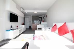 Top floor 2 bed modern apartment (3)