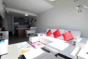 Top floor 2 bed modern apartment (2)