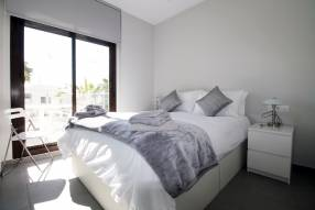 Top floor 2 bed modern apartment (9)