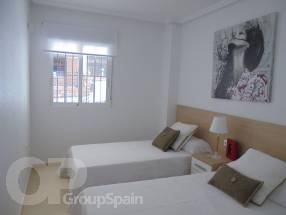 A brand new 2 bedroom 1 bathroom apartment by the beach (8)