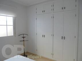 A brand new 2 bedroom 1 bathroom apartment by the beach (7)