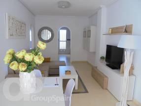 A brand new 2 bedroom 1 bathroom apartment by the beach (2)