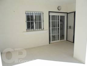 A brand new 2 bedroom 1 bathroom apartment by the beach (1)