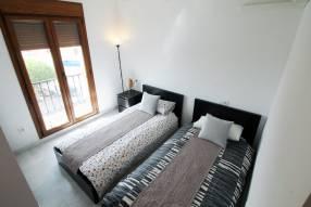 2 bed top floor Apartment (9)
