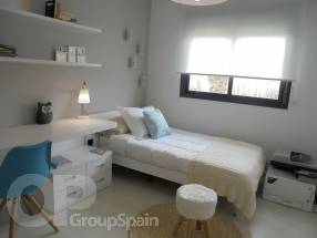 Beautiful, modern, 2 & 3 bedroom apartments (6)