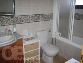 A 3 Bedroom 2 Bathroom Detached Property (8)
