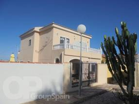 A large 4 bedroom 3 bath with underbuild (24)