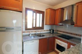 Top Floor Apartment with Great Views (5)