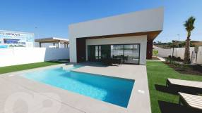 Genova 3 Bed 3 Bath Detached with Private Pool (10)