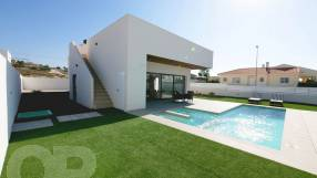 Genova 3 Bed 3 Bath Detached with Private Pool (11)