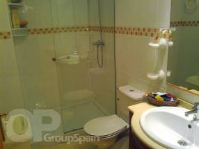 2 Bedroom 2 Bathroom Ground Floor Apartment (9)