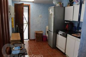 4 Bedroom 2 Bathroom Detached Property  (3)