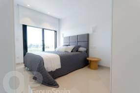 3 Bedroom 3 Bathroom Luxury Villa by the beach (8)