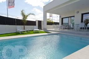 3 Bedroom 3 Bathroom Luxury Villa by the beach (3)