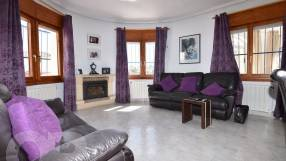 Detached Villa with Private Pool (7)