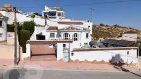 Detached Villa with Private Pool (18)
