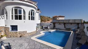Detached Villa with Private Pool (17)