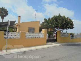 3 Bedroom Detached Property with private pool (1)