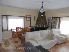 3 Bedroom Detached Property with private pool (5)