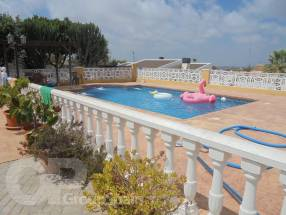 3 Bedroom Detached Property with private pool (16)