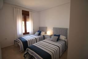 Comfortable & Stylish 2 Bedroom Apartment (6)