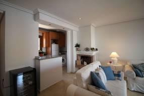 Comfortable & Stylish 2 Bedroom Apartment (3)