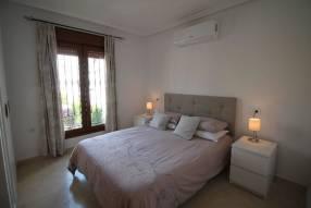 Comfortable & Stylish 2 Bedroom Apartment (8)